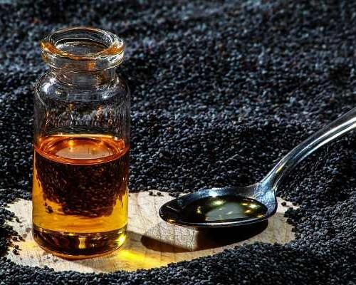 Поразительные свойства масла черного тмина: применение, состав и выбор