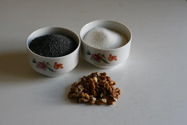 Ингредиенты для маковой начинки с грецким орехом