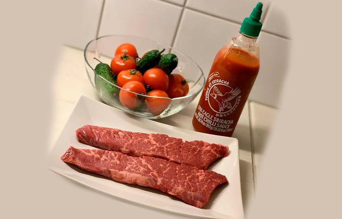 Соус шрирача к мясу